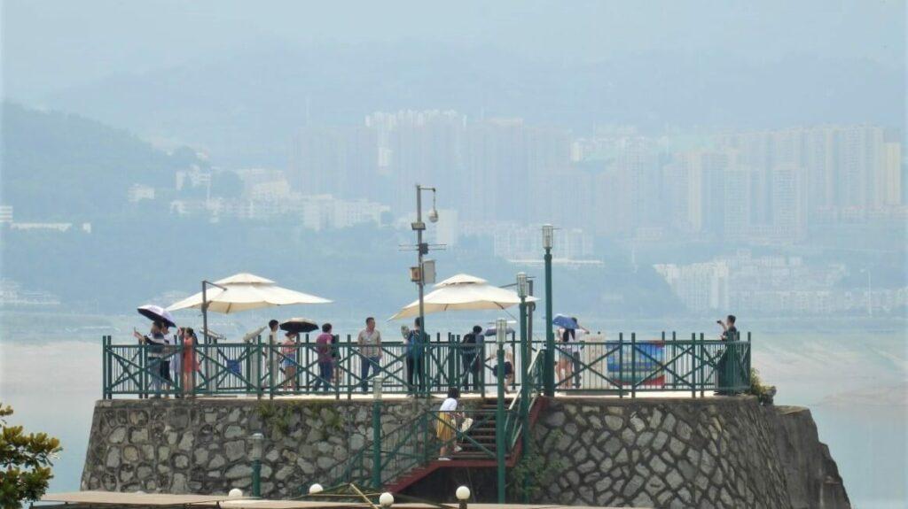 Uitzichtpunt van de Drieklovendam en da Yangtze rivier