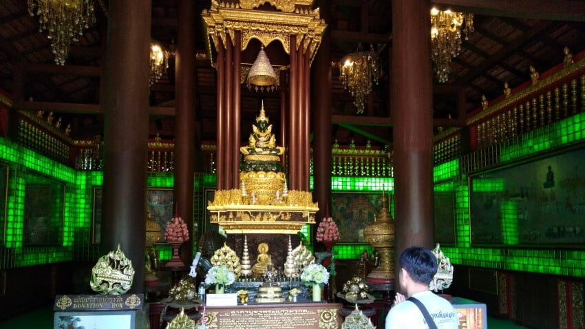 Het beeldje van Jade in Wat Phra Keaw