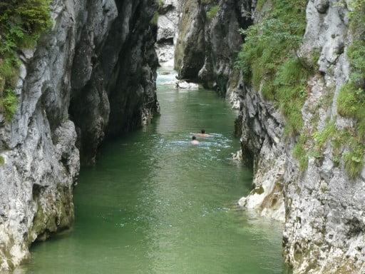 Zwemmen in de Kaiserklamm, Alpbachtal