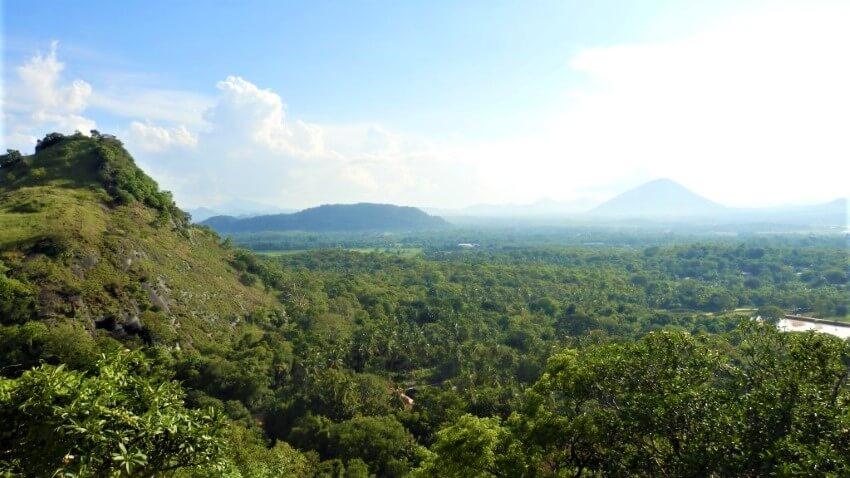 Uitzicht vanaf de tempel in Dambulla