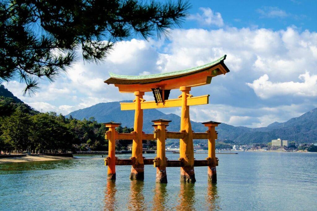 Het historische eiland Miyajima in Japan