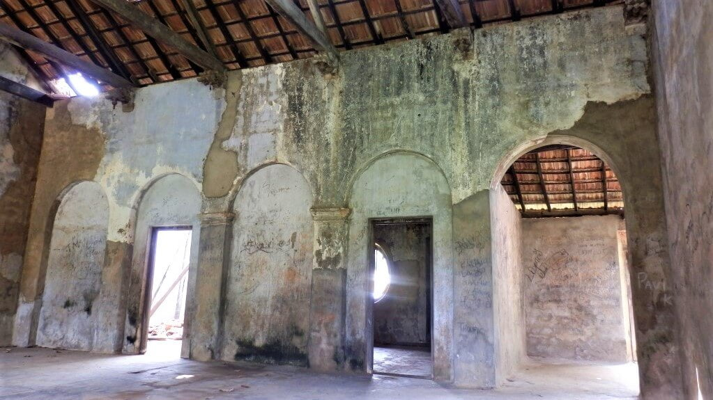 Het interieur van Sangiliyan Minister Residence in Sri Lanka