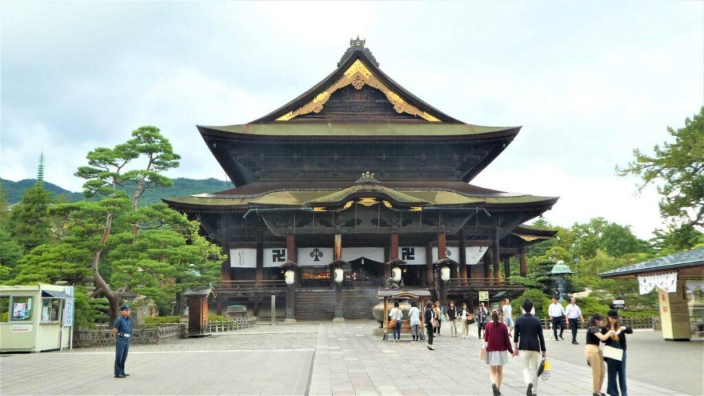 De Zenkoji Tempel in Nagano
