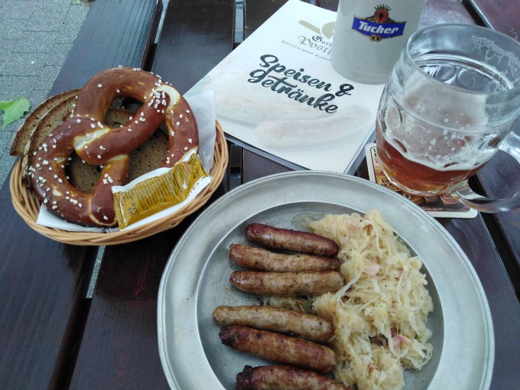 Bratwurst en bier