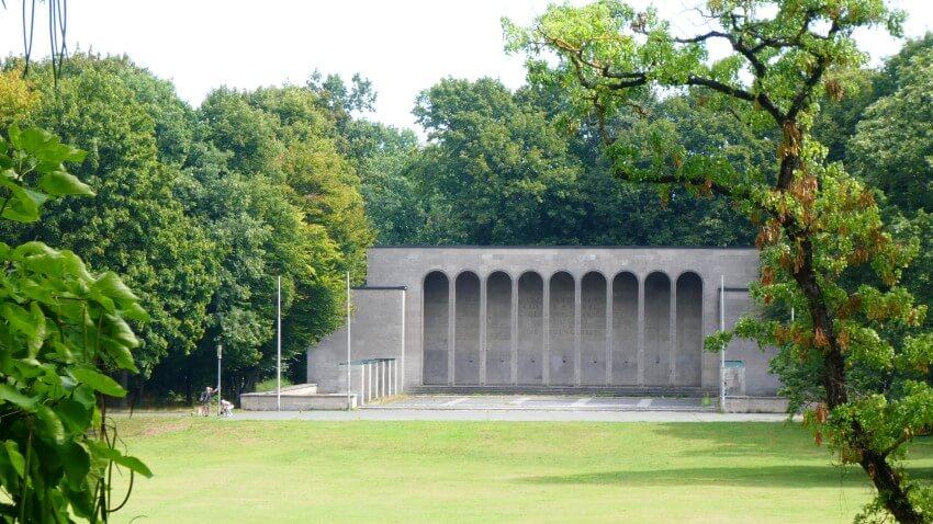 Monument voor de slachtoffers van de oorlogen