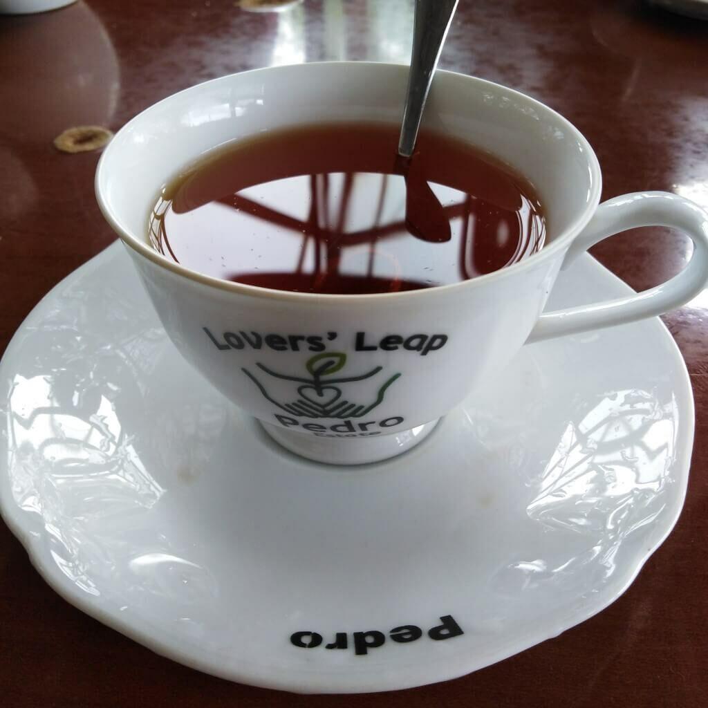 Een kopje thee bij Pedro Estate, Sri Lanka