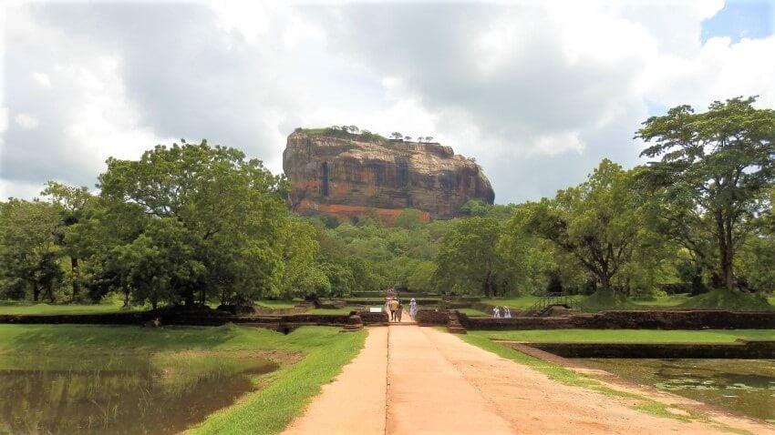 De paleistuinen van Sigiriya Rock