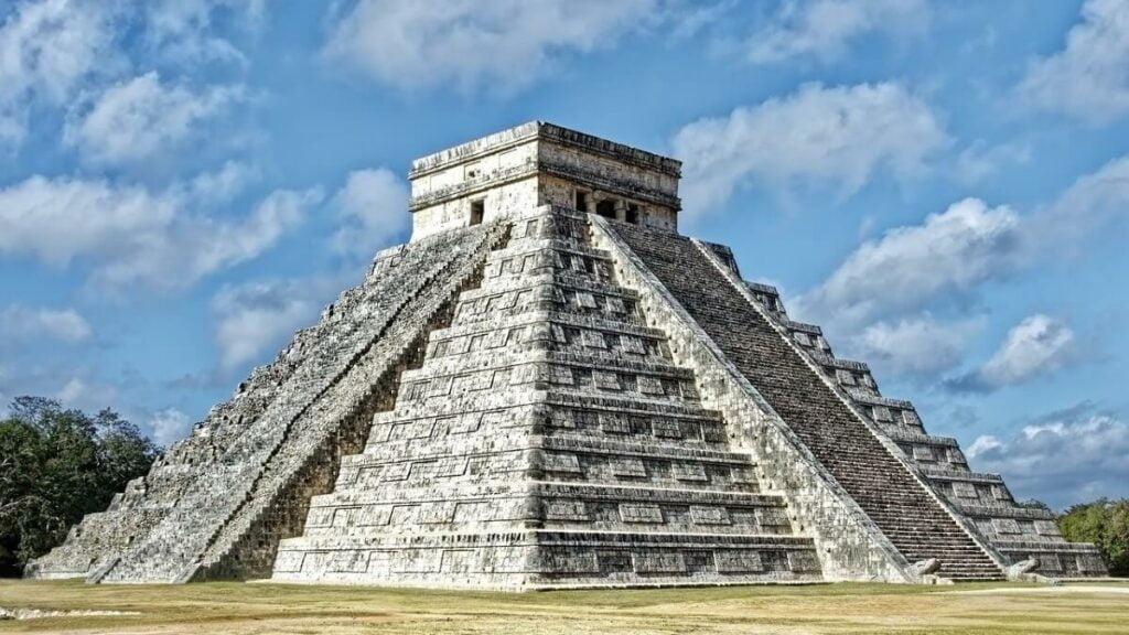 Bezienswaardigheden: Tempels van de Mayastad Chichen Itza op Yucatan, Mexico