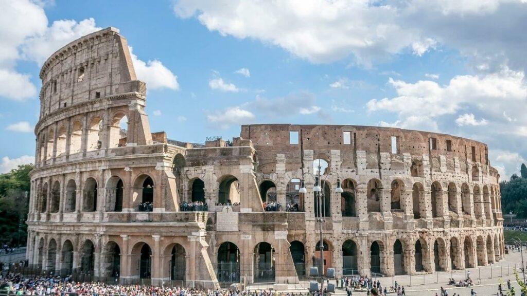 De geschiedenis van het Colosseum in Rome, Italië