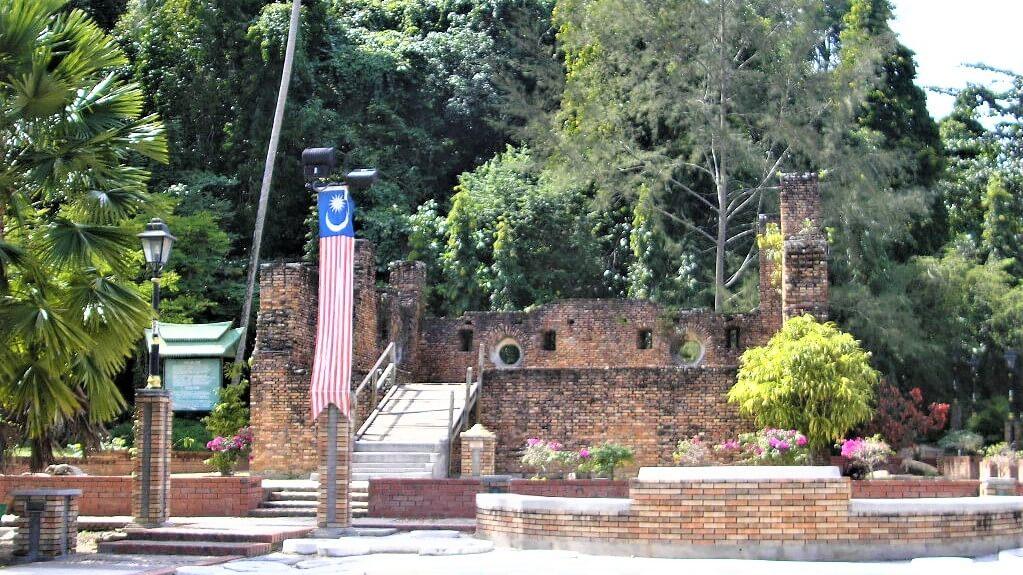 De geschiedenis van Pulau Pangkor, Dutch Fort