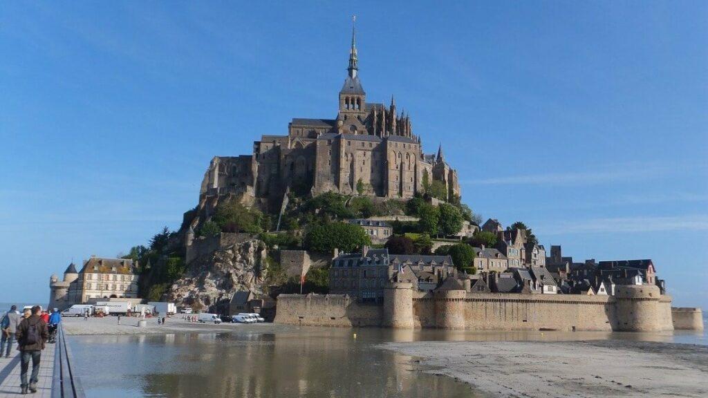 Het historische eiland Mont Saint Michel, Frankrijk