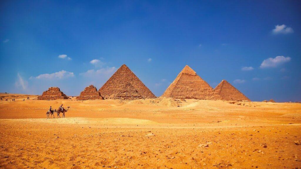 Bezienswaardigheden: De Piramiden van Gizeh bij Cairo, Egypte