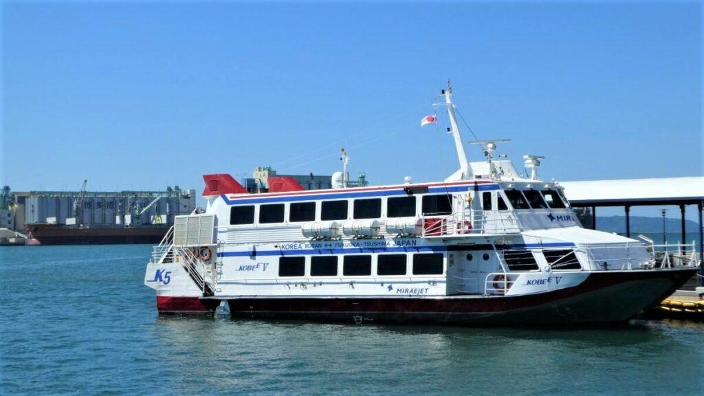 De Ferry van Hakata naar Busan in Zuid-Korea