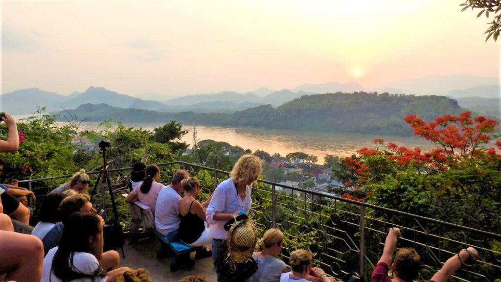 Zonsondergang vanaf Phu Si Hill, Luang Prabang