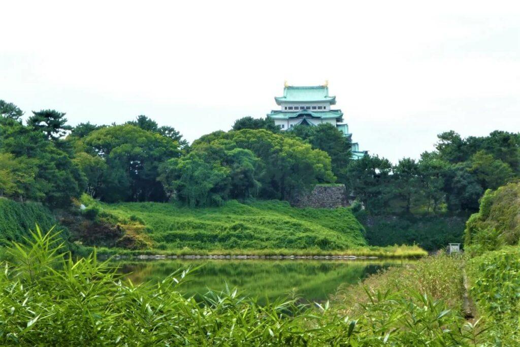 Het kasteel van Nagoya en de omheining