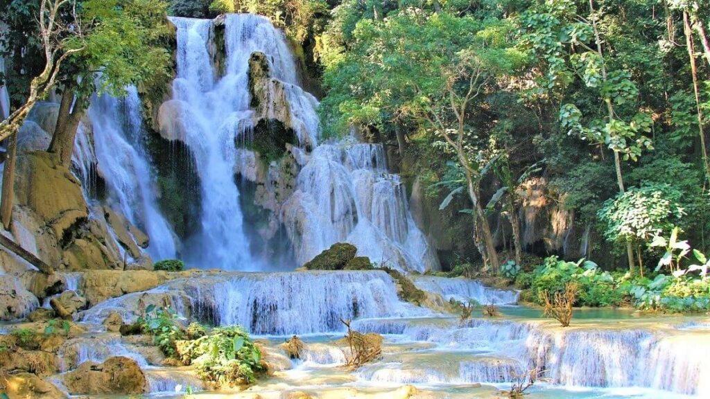 De Tat Kuang Si Watervallen in Luang Prabang, Laos