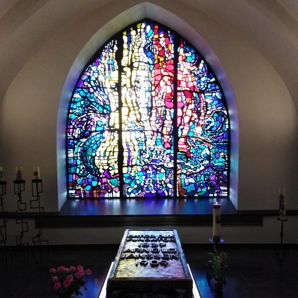 De tombe van Arnold Janssen in de Benedenkerk