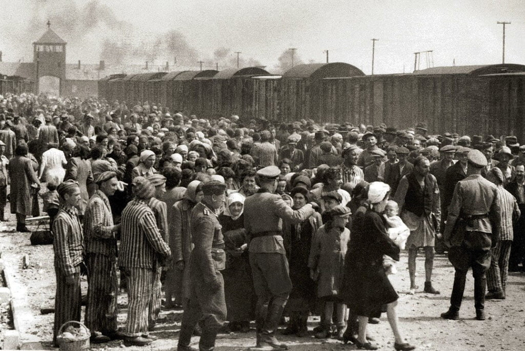 De trein arriveert in Birkenau, Polen