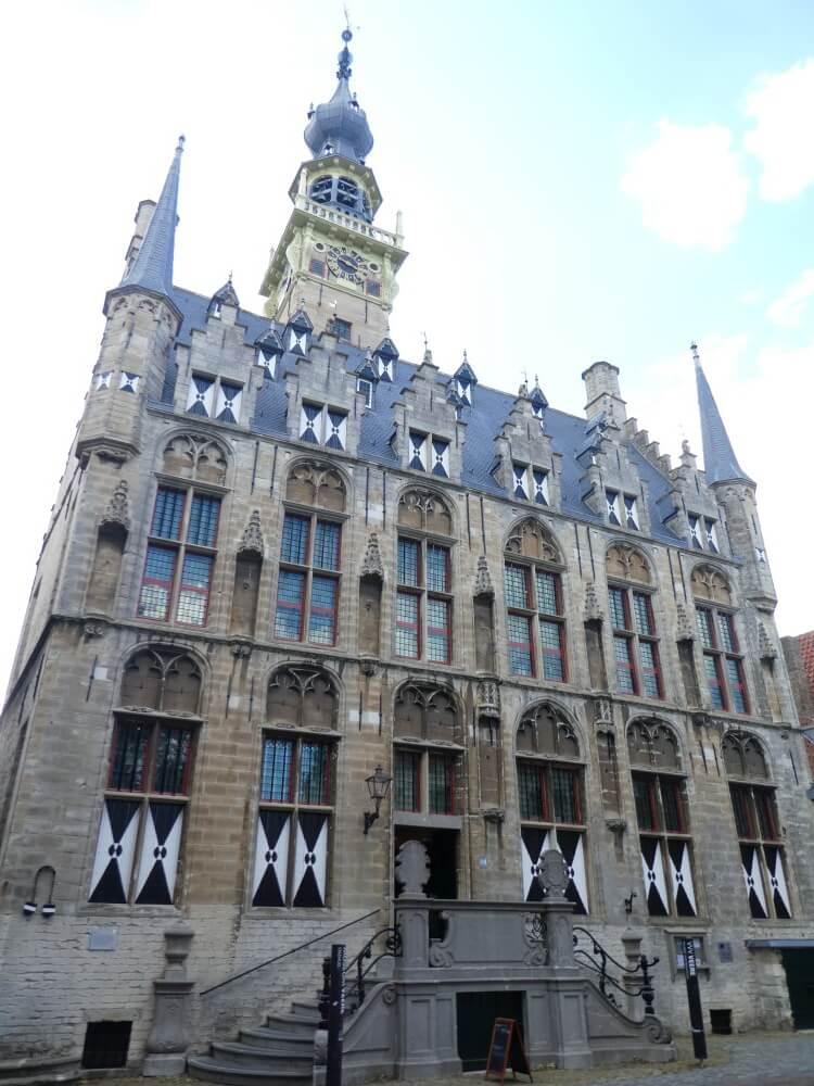 Het prachtige stadhuis op Walcheren