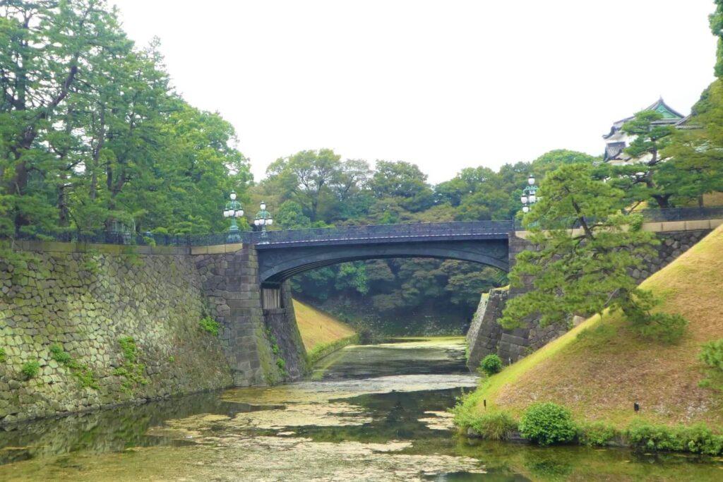 De ijzeren brug naar Kokyo, Japan